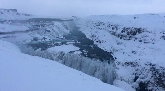 10 Must-Pack Items For a Winter Trip to Iceland | Iceland Packing List | Iceland Travel | #AGHBHOW | ww.agreatbighunkofworld.com