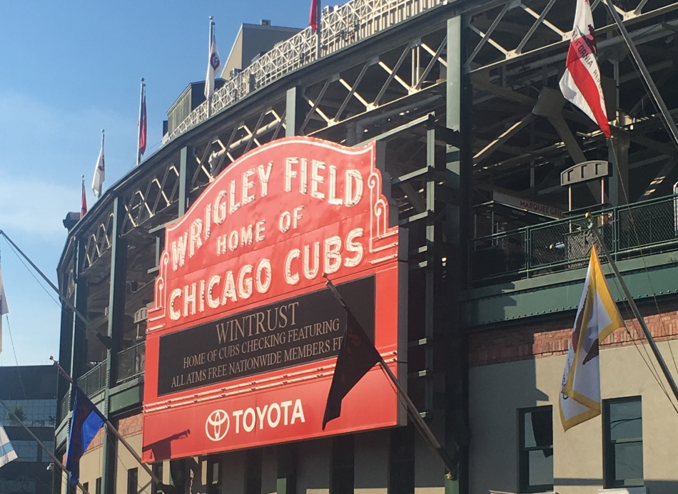 How to Experience Chicago in Two Days | Weekend Trips | US Travel | Chicago, Illinois | AGBHOW | www.agreatbighunkofworld.com | Wrigley Field | Chicago Cubs