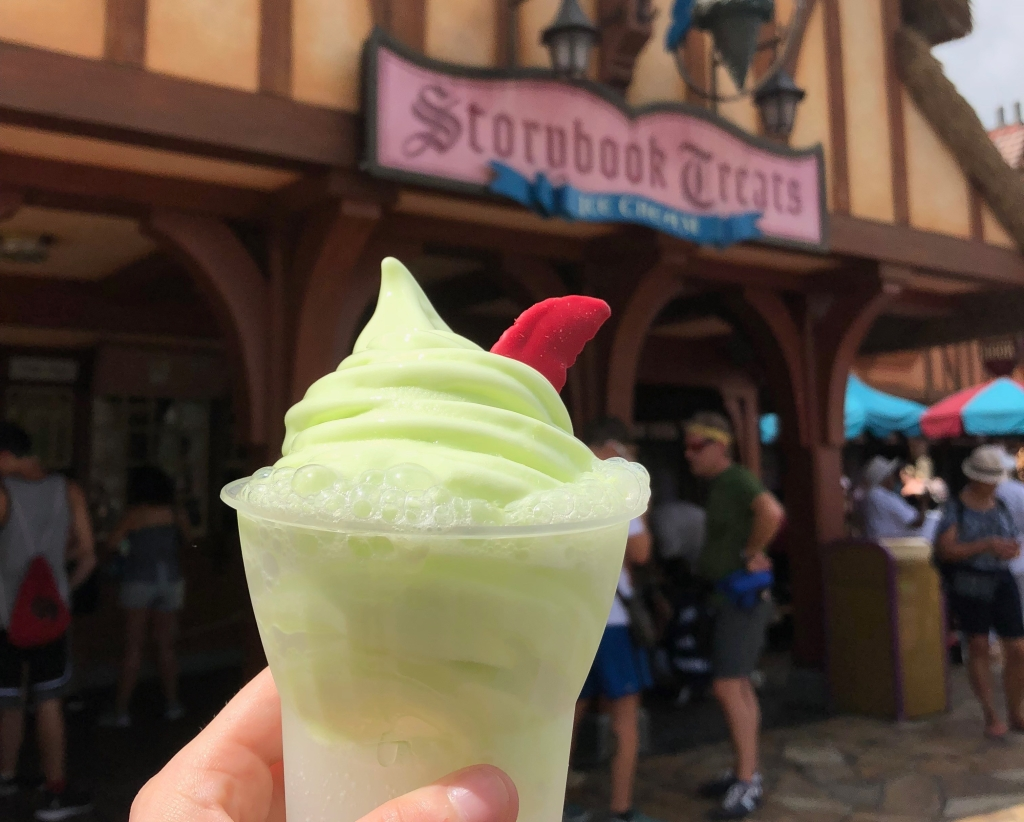 Peter Pan Float | Disney World Dole Whip Alternatives | Disney Travel | A Great Big Hunk of World | #AGBHOW | www.agreatbighunkofworld.com