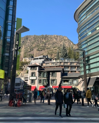 A Day Trip to Andorra: Is it Worth Visiting? | Andorra | Europe | A Great Big Hunk of World | www.agreatbighunkofworld.com | Day Trips from Barcelona | Andorra la Vella